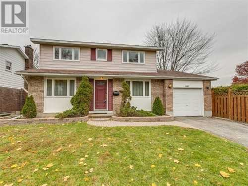 653 LAVERENDRYE DRIVE,  1174043, Ottawa,  for sale, , Tomasz Witek, Right at Home Realty Inc., Brokerage*